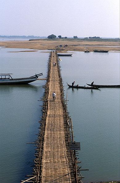 Pont de bambou à Kg Cham