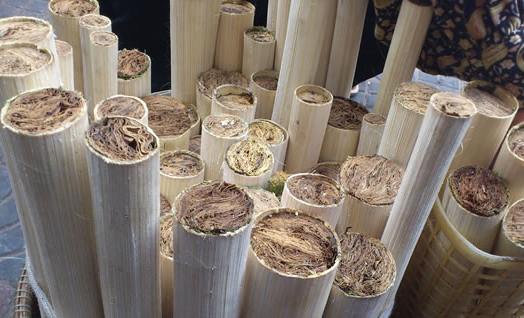 krolan-sticky-rice-cooked-in-bamboo-tubes03